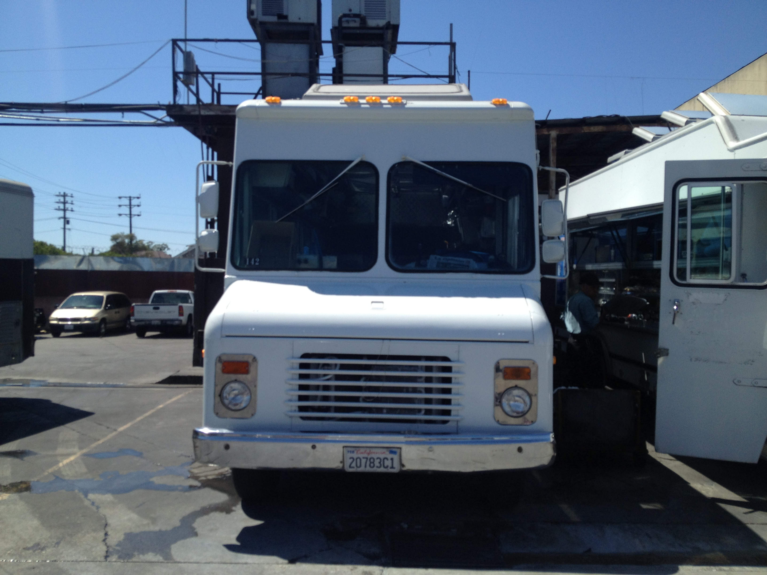 lunch catering truck for rent